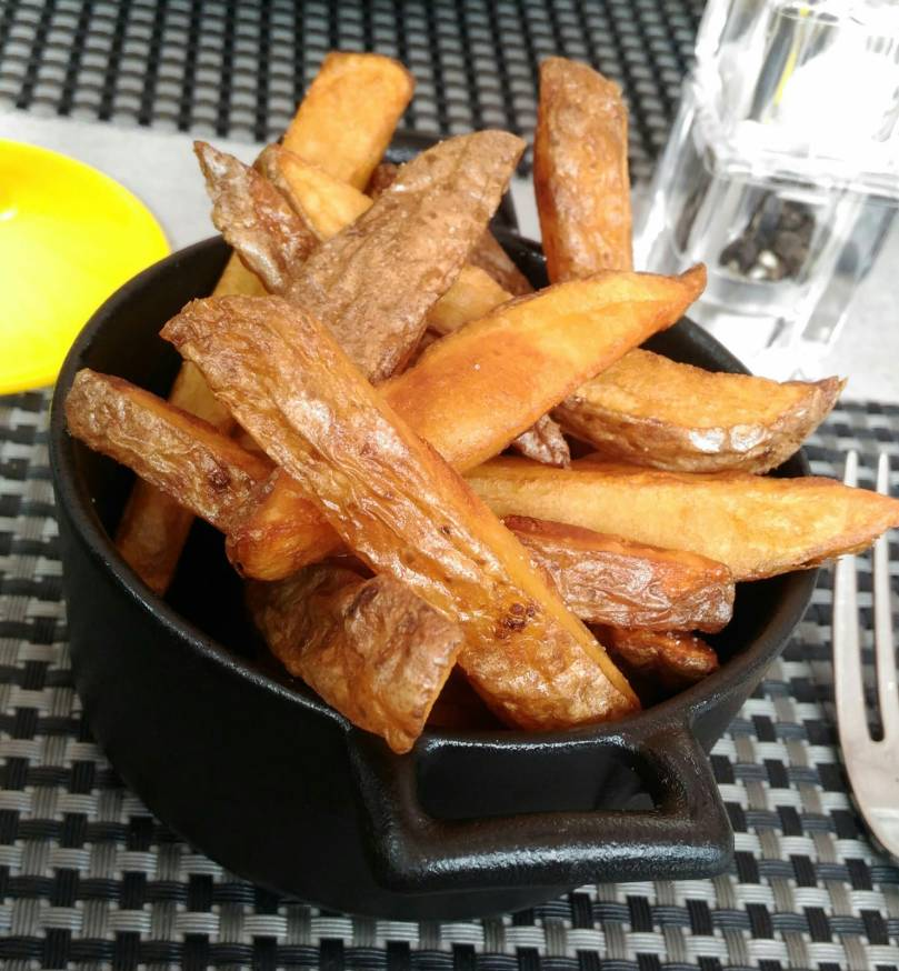 a table frites